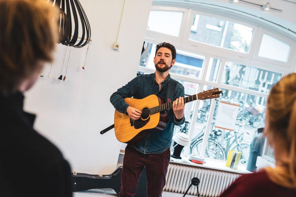2019 - Jessie Kamp Fotografie (Josh Island in Wageningen)