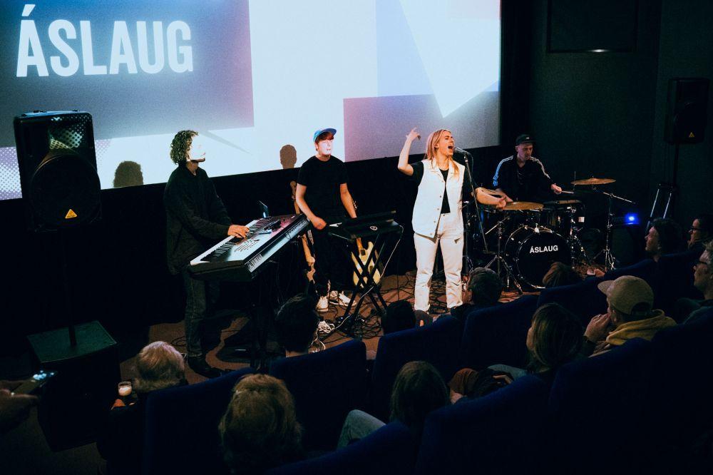 2019 - Jessie Kamp Fotografie (Áslaug in Hilversum)